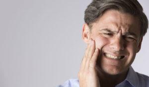 علاج تورم الوجه بسبب الاسنان بطرق طبيعية
