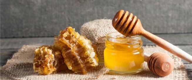 علاج قرص النحل بالعسل