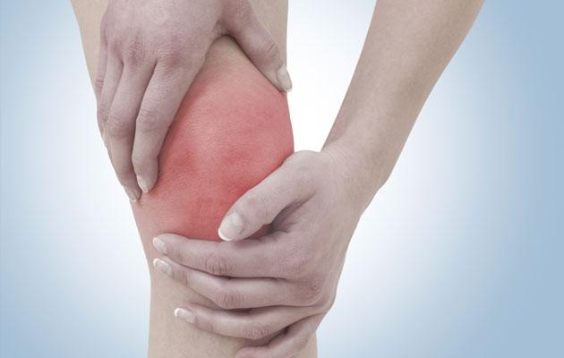 من اكثر المشاكل التي تصيب العظام تورم الركبة