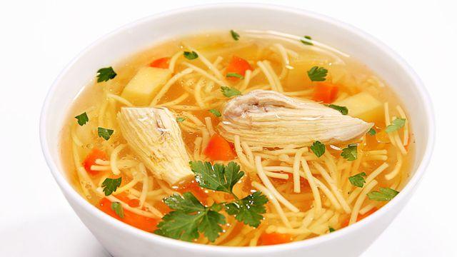 شوربة حساء دجاج للبرد