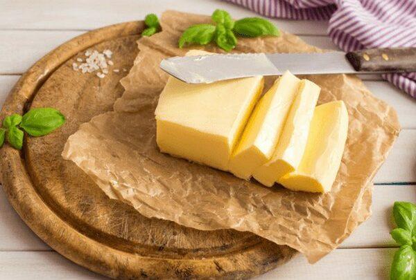 فوائد وأضرار الزبدة الصفراء
